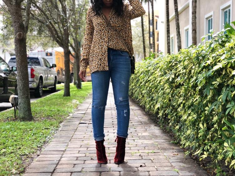 Top:Zara / Jeans: H&M / Booties: Zara / Bag: Zadig et Voltaire